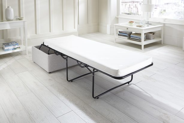 Footstool Airflow - Bed Undressed