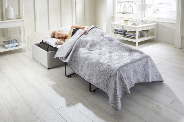 Footstool Airflow - Bed with Model